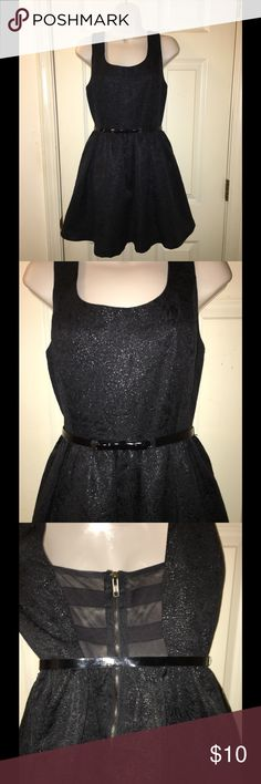 Princess Vera Wang Black Sparkle Dress Size 9 Princess Vera Wang dress.  Cocktail party dress.  Size 9.  Black sparkle.  Belted, the belt has a cute bow.  Back has mesh insert detail.  Excellent condition!   Important:   All items are freshly laundered as applicable prior to shipping (new items and shoes excluded).  Not all my items are from pet/smoke free homes.  Price is reduced to reflect this!   Thank you for looking! Vera Wang Dresses