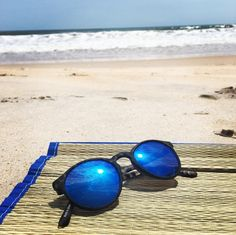 Beach Accessories, Sunnies, Mirrored Sunglasses, Old Navy, Gems, Style Inspiration, Summer, Check, Blog