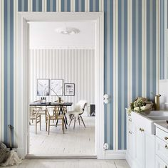 10 Striped Wallpaper Design Ideas - Bright Bazaar by Will Taylor Striped Wallpaper, Designer Wallpaper, Decor, Wallpaper Living Room, Decor Design, Modern Kitchen Wallpaper, Modern Wallpaper Designs, Interior Design, Home Decor