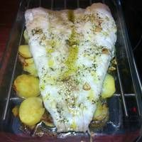 Merluza al horno estilo Berasategui Receta de La Cocina Del Pirata Fırın yemekleri Tapas, Fish Recipes, Seafood Recipes, Easy Cooking, Cooking Recipes, Healthy Snacks, Healthy Recipes, Spanish Dishes, How To Cook Fish