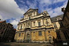 De St.-Carolus Borromeuskerk aan het Hendrik Conscienceplein in Antwerpen is een voormalige jezuïetenkerk in barokke stijl. De kerk werd ontworpen door leden van de jezuïetenorde, zoals François d'Aguilon en Pieter Huyssens. De kerk werd tussen 1615 en 1621 gebouwd bovenop de toenmalige Ankerrui (niet te verwarren met de huidige) voor die aansloot met de Minderbroedersrui.