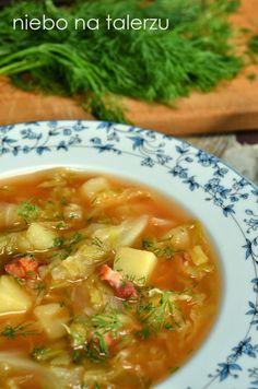 Kapuśniak z młodej kapusty Kitchen Cheat Sheets, Healthy Dinner Recipes, Cooking Recipes, Polish Recipes, Cabbage Soup, Soups And Stews, Finger Foods, I Foods, Ethnic Recipes