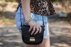 details: little black bag #animalprint #oncinha #ootd #blackbag