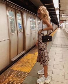 Animal print skirt with Balenciaga sneakers. Animal print skirt with Balenciaga sneakers. , Animal print skirt with Balenciaga sneakers. Fashion Blogger Style, Look Fashion, Womens Fashion, Fashion Trends, Fashion Bloggers, New York Fashion, Fashion Ideas, City Fashion, Europe Fashion