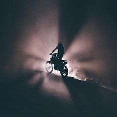 Into the unknown. Photo by @aaronbhall. . . . #croig #caferacersofinstagram #motorcycle  via ✨ @padgram ✨(http://dl.padgram.com)