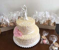 Wedding cake - brush embroidery