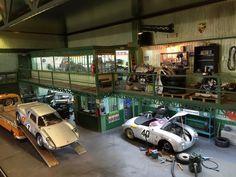 """Porsche Garage"" diorama by Wilco Machiels Miniature Cars, Military Diorama, Model Building, Building Design, Diecast Model Cars, Small World, Plastic Models, Oeuvre D'art, Scale Models"