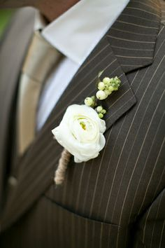 classic white + berry boutonniere | Heather Roth #wedding
