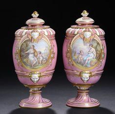Par de vasos em porcelana Francesa Sevres do sec.19th, 23cm de altura, 3,650 USD / 3,420 EUROS / 13,930 REAIS / 23,230 CHINESE YUAN soulcariocantiques.tictail.com