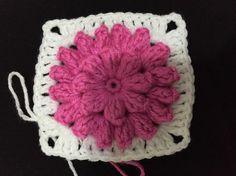 1. Sıramız bitti  #orgu #örgü #örgüsaati #bebekbattaniye #battaniye #örgümotif #yarn #patterncrochet #pattern #crochet #crochetblanket #crochetedwithlove #crochetflowers #crochetlove #crochetlover #crochetgram #crocheting #ing #hanmade #crochetfun #crocheter #yarnlove #yarnaddic #yatakörtüsü #yatakortusu #granny #örelim #örenbayan #knitting by busenin_orguleri