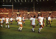 Entrada em campo das equipas finalistas (Benfica e Manchester United) da TCE de 1968