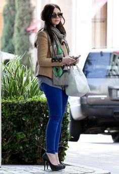 Georgina Sparks in blue skinnies