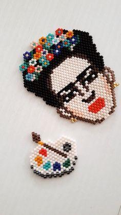 Hama Beads, Peyote Stitch, Cross Stitch, Beaded Jewelry, Handmade Jewelry, Peler Beads, Brick Stitch, Shakira, Beading Patterns