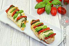 Pui caprese la cuptor | Adygio Kitchen #adygio #caprese Caprese Salad, Mozzarella, Sushi, Foodies, Ethnic Recipes, Kitchen, Main Courses, Youtube, Main Course Dishes