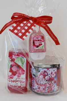 bath and body works frosted cranberry clean cozy gift set 2015 holiday edition 145