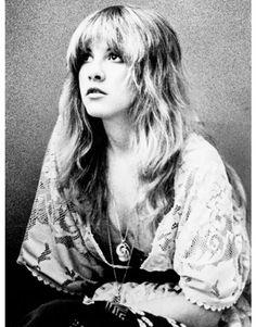 Great article interviewing Stevie Nicks in Harpar's Bazaar.
