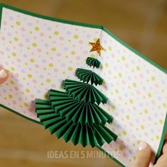 Christmas Wrapping Videos For Kids - Christmas Diy Crafts Hacks, Diy Crafts For Gifts, Diy Arts And Crafts, Diy Crafts Videos, Fun Crafts, Paper Crafts Origami, Paper Crafts For Kids, Origami Cards, Diy Paper
