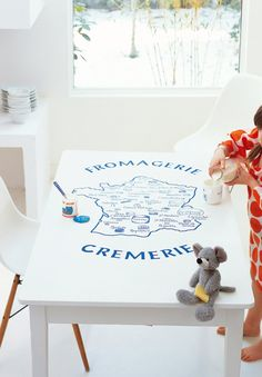 La carte des fromages sur une table