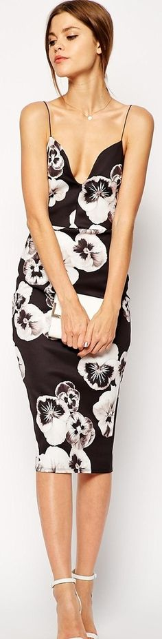 Black and white floral round neck dress