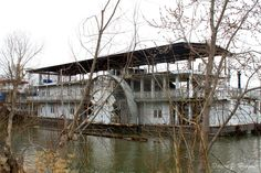 10 Abandoned Steamboats, Paddle Steamers and Riverboats of Times Gone By Old Abandoned Buildings, Abandoned Ships, Abandoned Places, Ghost Ship, Paddle Boat, River Bank, Steamboats, Wooden Boats, Tall Ships