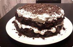 Η υπέροχη τούρτα της Άννας με σοκολατένιο παντεσπάνι και κρέμα με μπισκότα τύπου oreo! Dessert Recipes, Desserts, Greek Recipes, Cake Cookies, Tiramisu, Food Processor Recipes, Birthday Cake, Sugar, Ethnic Recipes