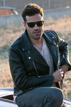 Men's Leather Jackets: How To Choose The One For You. A leather coat is a must for each guy's closet and is likewise an excellent method to express his individual design. Leather jackets never head out of styl Leather Jeans Men, Leather Jacket Outfits, Leather Jackets, George Michael Poster, Urban Male, Greek Men, Models, Cute Guys, Gorgeous Men
