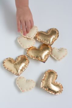 The Alison Show: Heart of Gold Valentine's Garland