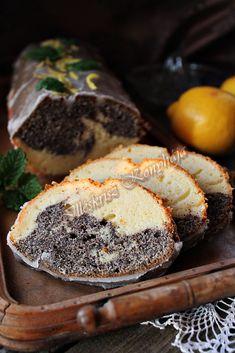 A citrom és a mák jó párost alkot egy süteményben, legyen az krémes vagy egy ilyen sima kevert sütemény, mint ez is......
