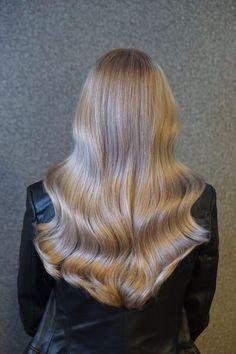 U kunt een afspraak maken via Haarvisie.nl, whatsapp of telefonisch Wateringen 06-828 72 625 017-426 63 65 Rijswijk 06-304 77 560 070-336 83 28 Full Head Highlights, Treatment, Long Hair Styles, Hairstyle, Beauty, Hair Job, Hair Style, Long Hairstyle, Hairdos