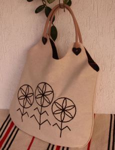 GEANTA CU FLOAREA VIETII Reusable Tote Bags, Costume, Embroidery, Patterns, Google, Needlework, Block Prints, Needlepoint, Patrones