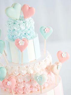 25 パティシエ本澤 聡 a tale of cake25「ゲストが飾る祝福のハート」「承認」のハートをゲストの手で飾ってもらって http://www.anniversary-web.co.jp/