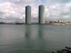 """""""Torres gêmeas"""" do Recife Cais de Santa Rita, Recife Pernambuco Brasil."""