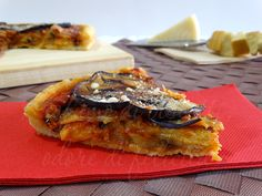 Oggi vi propongo una ricetta sfiziosissima, perfetta da portare in tavola come antipasto o come portata unica. Ecco a voi una torta di melanzane alla norma!