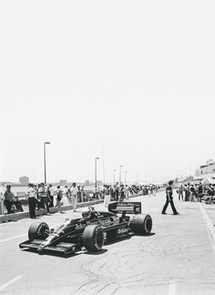 Ayrton Senna, Lotus-Renault, (finished Detroit Grand Prix was a Formula One race held in Detroit, Michigan on June 1986 . Sport Cars, Race Cars, F1 Lotus, Real Racing, Because Race Car, Vintage Race Car, Car And Driver, Car Brands, Formula One