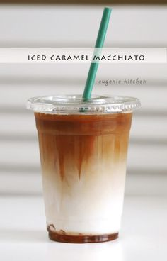 Today Im making one of my favorite Starbucks drinks iced caramel macchiato which you probably guessed when I made how to make vanilla syrup and how to make caramel sauce this week. The ingredients are: coffee ice milk vanilla syrup Continue reading Starbucks Recipes, Starbucks Drinks, Starbucks Coffee, Starbucks Caramel, Iced Coffee Recipes, Iced Coffee Drinks, Iced Tea, Cafeteria Menu, Ice Caramel Macchiato