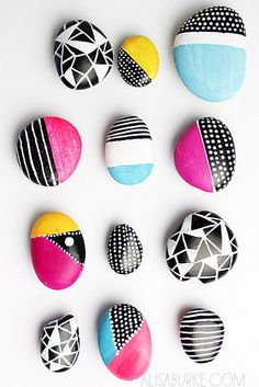 Get creative with these DIY painted rocks. From mandala rocks to easy painted rock crafts for kids, there are plenty of ideas for inspiration. Rock Painting Ideas Easy, Rock Painting Designs, Diy Painting, Stone Crafts, Rock Crafts, Arts And Crafts, Bee Crafts, Crafts For Teens To Make, Diy For Kids