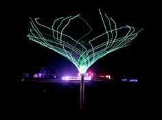 SonUmbra Solar Powered Tree Lights up the Night