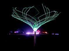 SonUmbra Solar Powered Tree Lights up the Night