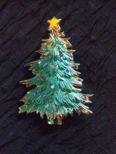 Vintage Christmas Pin Brooch  Rhinestone ornaments on this tree  Very nice