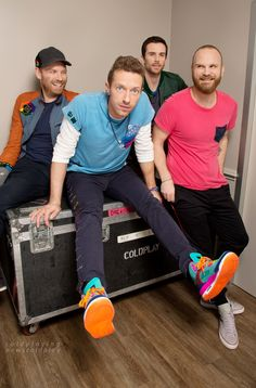LOS ANGELES, CA - NOVEMBER 12: Jonny Buckland, Chris Martin, Guy Berryman and Will Champion of Coldplay are photographed for Los Angeles Times on November 12, 2015 in Los Angeles, California. PUBLISHED IMAGE. CREDIT MUST READ: Ricardo DeAratanha/Los Angeles Times/Contour by Getty Images. (Photo by Ricardo DeAratanha/Contour by Getty Images)