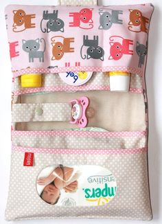 Diaper bag, changing bag * premium - Side Tutorial and Ideas Baby Sewing Projects, Sewing For Kids, Baby Shower Gifts, Baby Gifts, Handgemachtes Baby, Diaper Bag Organization, Diaper Clutch, Changing Bag, Baby Blog