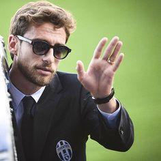 #ClaudioMarchisio Claudio Marchisio: Peccato per il risultato anche se la prestazione è stata positiva. Si torna a casa,ciao Madrid. Da domani testa al campionato,sabato match importantissimo! @juventus #roma #juventusstadium #forzajuve #tuttiinsieme #nonmolliamomai