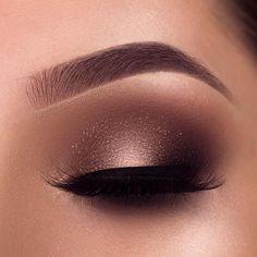eye makeup for brown eyes . eye makeup for blue eyes . eye makeup tips . eye makeup for green eyes Smoke Eye Makeup, Makeup Eye Looks, Beautiful Eye Makeup, Eye Makeup Tips, Eyeshadow Looks, Makeup Inspo, Eyeshadow Makeup, Makeup Inspiration, Makeup Ideas