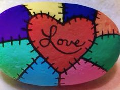 Heart Painting, Pebble Painting, Dot Painting, Pebble Art, Stone Painting, Rock Painting Ideas Easy, Rock Painting Designs, Stone Crafts, Rock Crafts