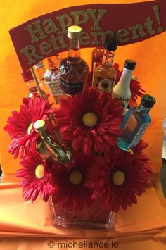 Retirement Gifts - Are you confused about celebrating close friends who are retiring soon? Celebrate the conclusion of a long career with a retirement gift. Retirement Gifts For Men, Retirement Celebration, Retirement Party Decorations, Teacher Retirement, Retirement Parties, Retirement Ideas, Retirement Wishes, Liquor Bouquet, Candy Bouquet