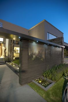 Casa LC by ARCO Arquitectura Contemporánea - modern residential architecture Modern Exterior, Exterior Design, Contemporary Architecture, Interior Architecture, Modern Contemporary, Residential Architecture, Town Country Haus, Fence Design, House Gate Design