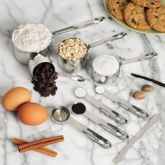 Beautiful Measuring Cups & Spoons - Made to Last Kitchen Utensils List, Kitchen Gadgets, Kitchen Tools, Cooking Supplies, Cooking Tips, Diy Gifts To Make, Cake Supplies, Learn To Cook, Kitchen Essentials
