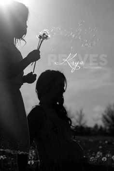 Making a wish.... Colorado dandelion maternity photography
