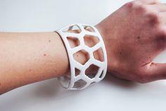voronoi cuff 3d printed generative bracelet white #parametricart #Cuff