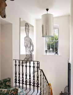 London home of British artist Rory Dobner. Via Elle Decor España, photos by Montse Garriga.